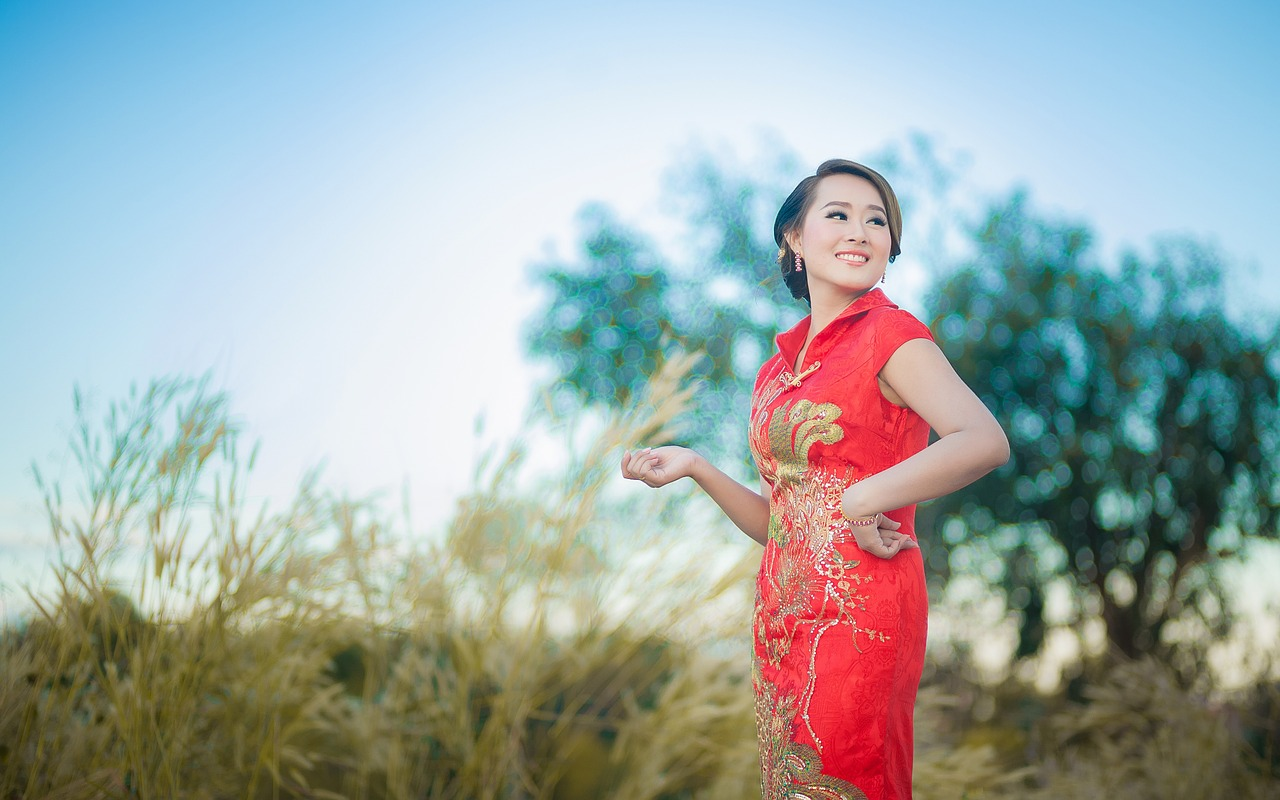 Hues & Aspects of Chinese Wedding Dressing & Decoration Settings